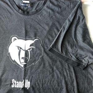 MEMPHIS GRIZZLIES • Stand Up T-Shirt • Size Large.